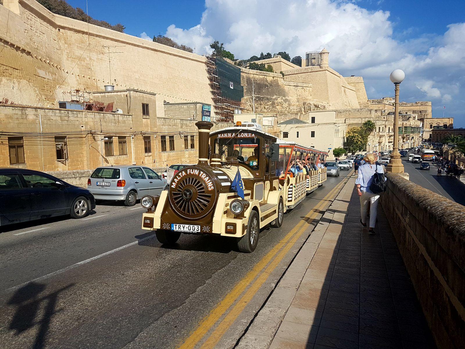 La croisiere pourquoi, comment!... - Page 6 MSC-Meraviglia-Valletta-09