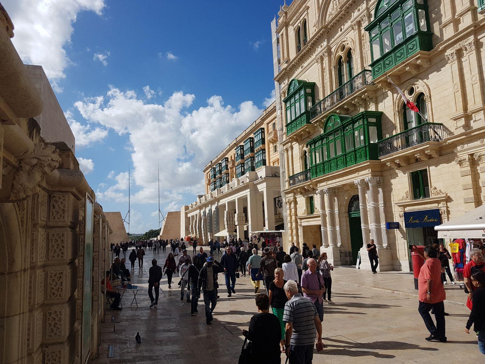 La croisiere pourquoi, comment!... - Page 6 MSC-Meraviglia-Valletta-11