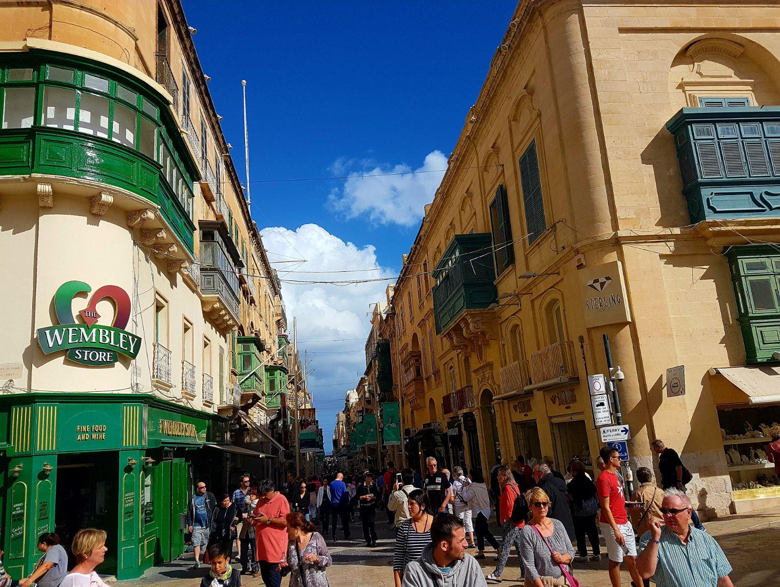 La croisiere pourquoi, comment!... - Page 6 MSC-Meraviglia-Valletta-12
