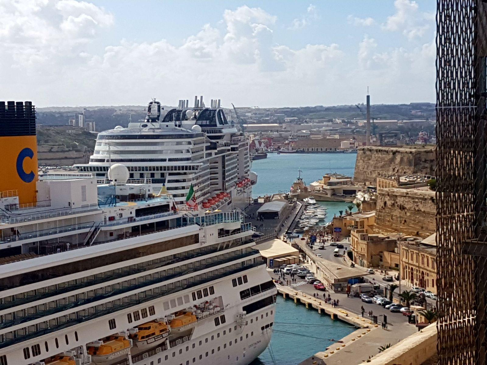 La croisiere pourquoi, comment!... - Page 6 MSC-Meraviglia-Valletta-13