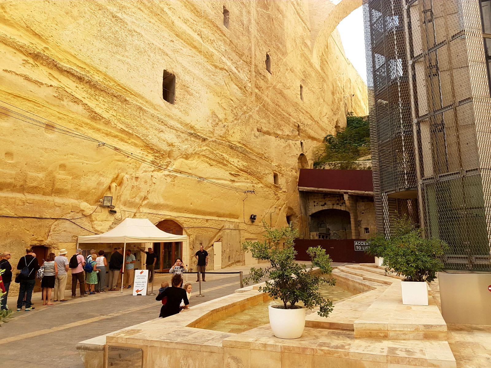La croisiere pourquoi, comment!... - Page 6 MSC-Meraviglia-Valletta-14